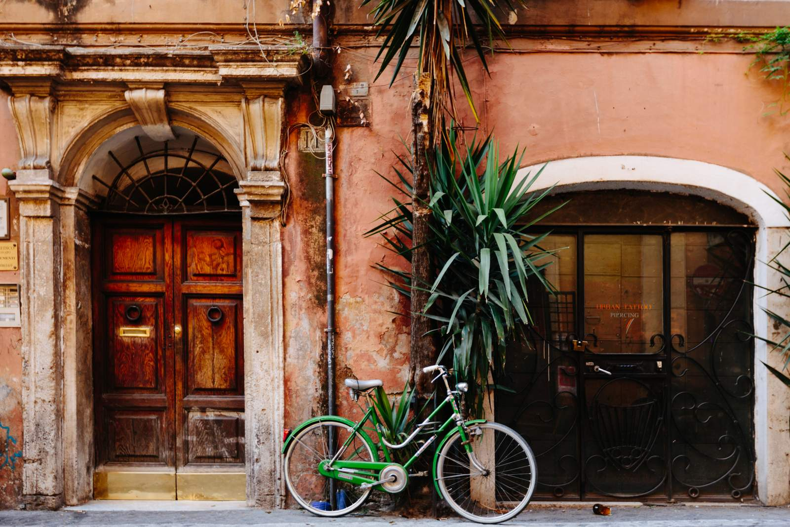 Rome's house with bike